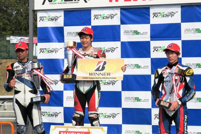ST600 3位 田尻選手(右)