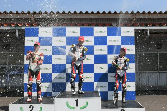 GOSHI Racingダブル表彰台