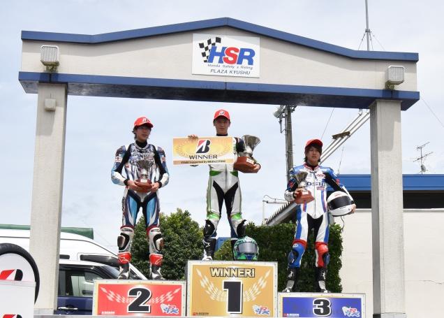 ST600クラス準優勝の田尻選手(左)、3位の黒木選手(右)