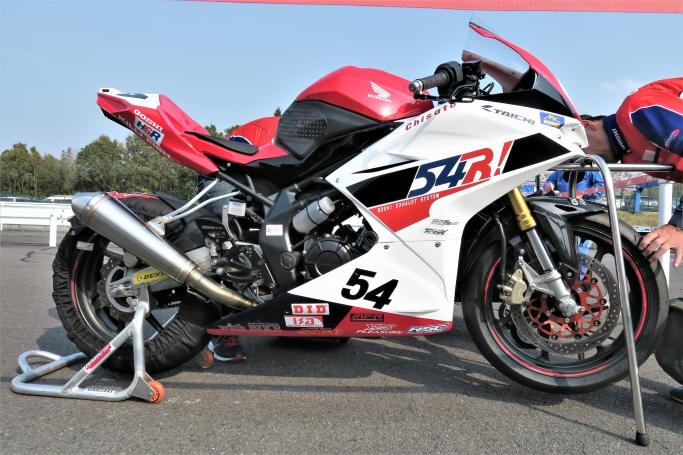 GOSHI Racingマシン