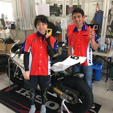 ライダーの片山選手(左)と永島選手(右)