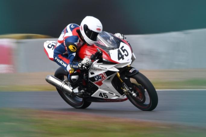 GOSHI Racing山内