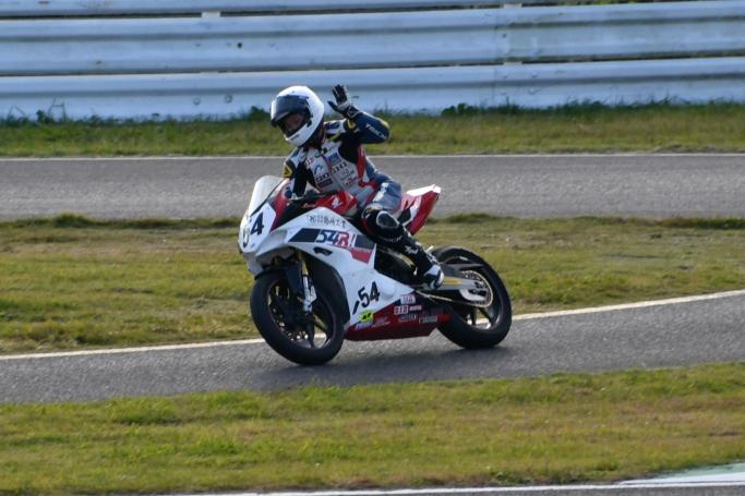 GOSHI Racing片山