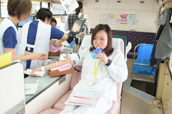 献血初体験!水分補給が大事