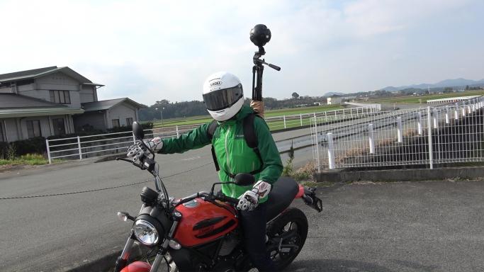 ブース内で体験できるVR映像の「熊本観光スポット ツーリングコース」は企画チームのメンバーで撮影しています。